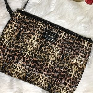 Nine West Leopard wristlet